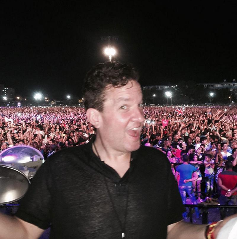 Исторический бесплатный концерт The Rolling Stones посетили больше миллиона кубинцев