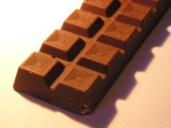 Шоколад делает людей счастливее, но не умнее