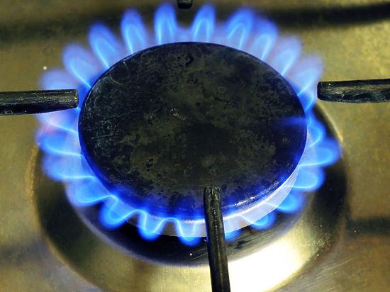 Цена на российское топливо продолжает оставаться конкурентоспособной, считают в Минэнерго