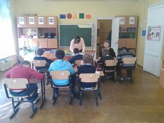 Комплекс зданий на набережной Обводного канала нужен «сильным мира сего», считают родители учеников