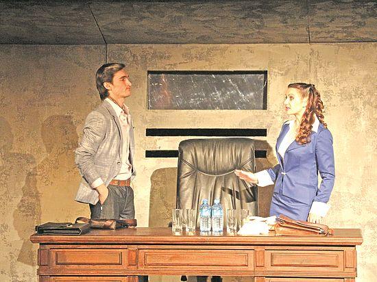 Театр драмы, который любит привычные формы и проверенные тексты, поставил актуальную пьесу