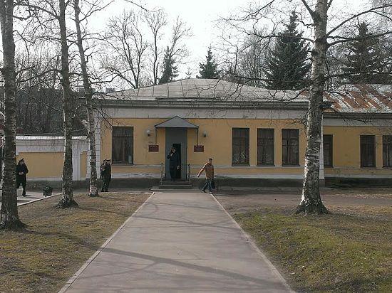 Даценко учился в академии неохотно, Зиганшин собирался в кулинарный техникум, Томский  оказался «человеком в маске»