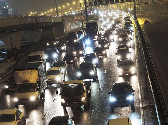 На крупных магистралях Москвы предложили изменить транспортный режим