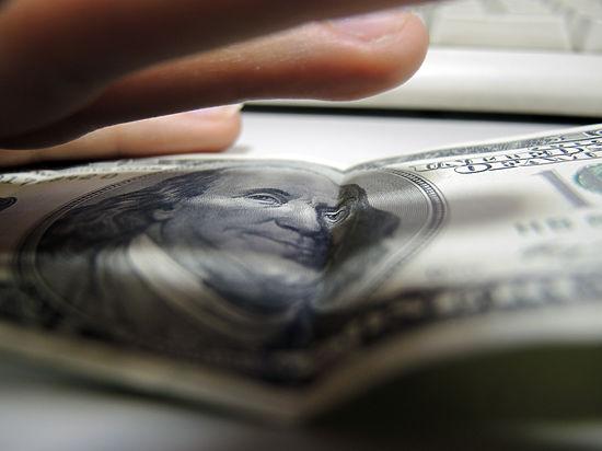 Эксперт: «Никто не будет связываться с валютой, которая может в течение месяца колебаться в пределах 20%, а то и больше»