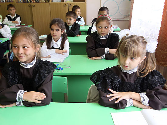 Также дома разрешат учиться тем детям, кто более месяца лежит в гипсе