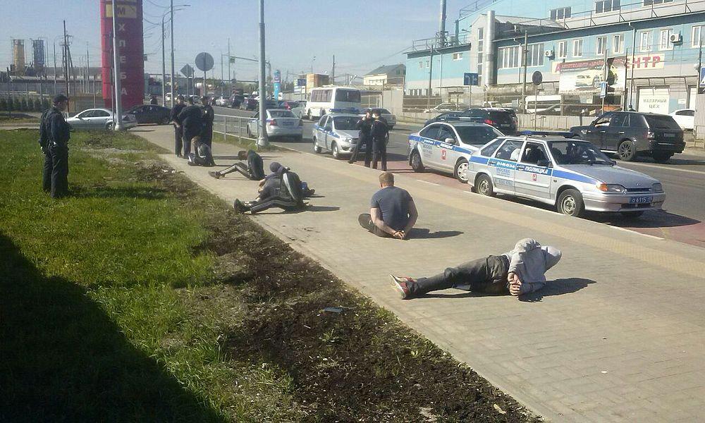 Задержанные и избитые на Хованском кладбище