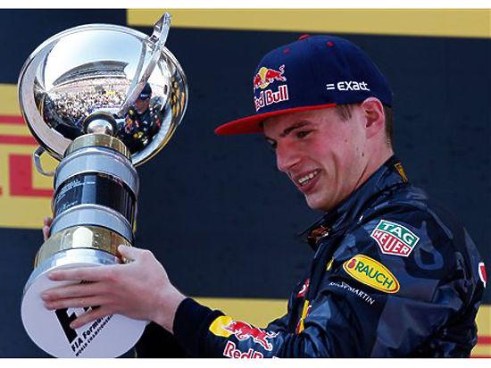 """Пилоту """"Формулы-1"""" Квяту объяснили, почему ему предпочли голландца Ферстаппена"""