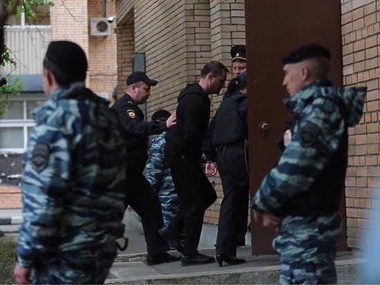 Недочеты следствия помогли Юрию Чабуеву пока избежать СИЗО