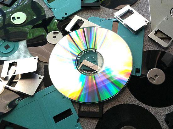 Конец эпохи CD: российские ученые придумали вечный хранитель информации