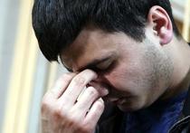 Рано утром в понедельник сотрудники ДПС в составе шести экипажей гонялись по Москве за «Гелендвагеном» сына вице-премьера «Лукойла» Руслана Шамсуарова