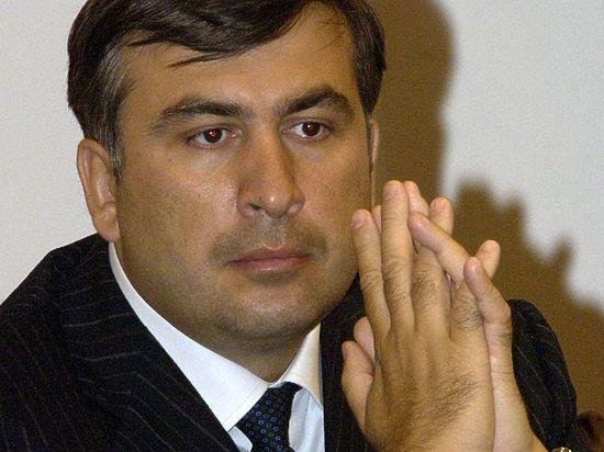 Вотчину Саакашвили окружили автоматчиками