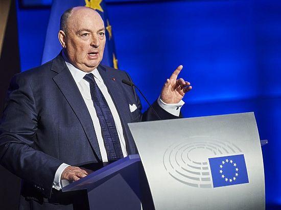 Лидер еврейской общины Европы поддержал меры по противодействию разжиганию ненависти в Интернете