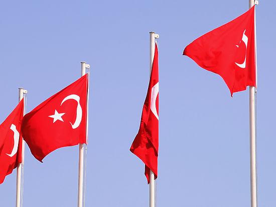 Правящая партия Турции готовит жесткую резолюцию в парламенте