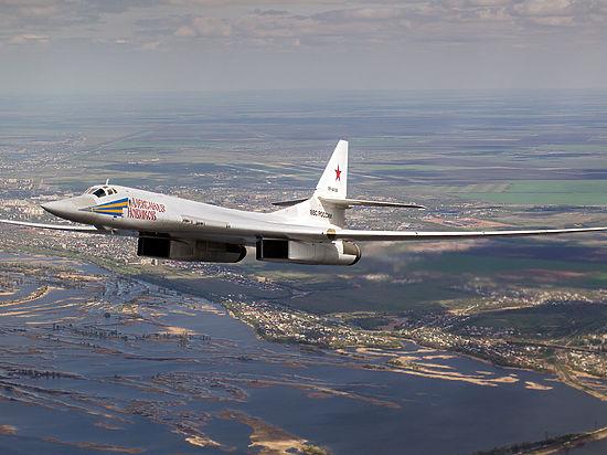 Бомбардировщик Су-34 атаковали резервуары с нефтью, принадлежащие террористам