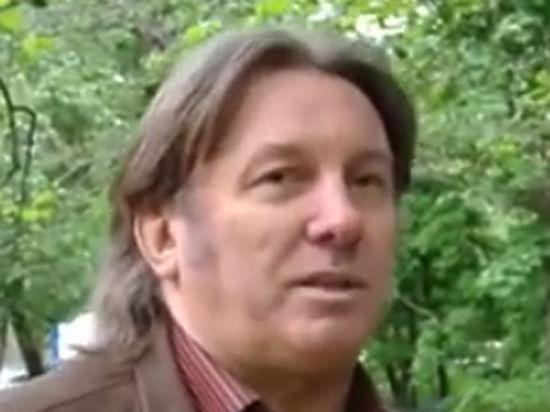 Автор «Плота» — «МК»: «А разве он не лежал в ракете? Он что — прыгал? Стоял на четвереньках?»