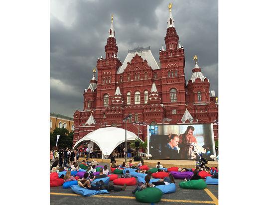 На книжном фестивале министр культуры осудил современное искусство