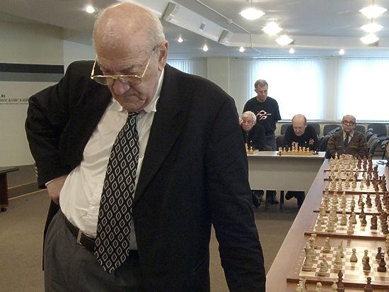 Президент ФИДЕ рассказал о последних годах жизни великого гроссмейстера.