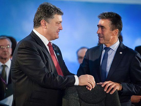Бывший генсек НАТО считает, что для Киева этот вопрос не должен быть первостепенным