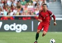 """Последним матчем первого тура группового этапа стал стала встреча Португалии и Исландии, которую ждали прежде всего поклонники обладателя трех """"Золотых мячей"""", как лучшего футболиста мира, Криштиану Роналду"""