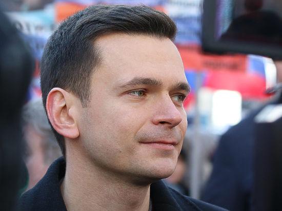 Федеральные телеканалы обманули Яшина на премьере фильма о Магнитском