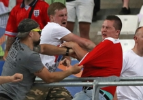 Троих российских болельщиков сегодня судили в Марселе — из-за беспорядков после матча Россия-Англия