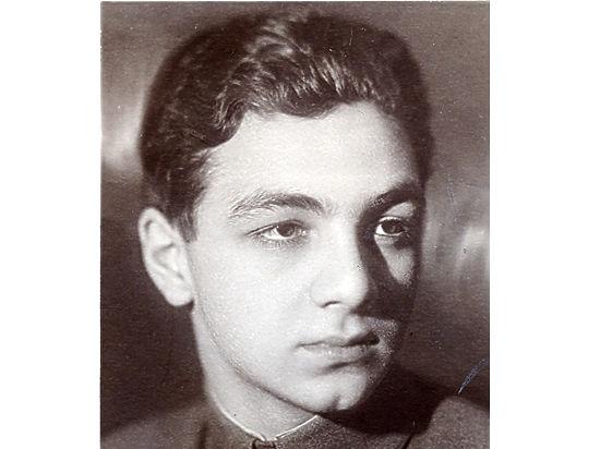 «Отец сразу доложил Сталину о звонке»