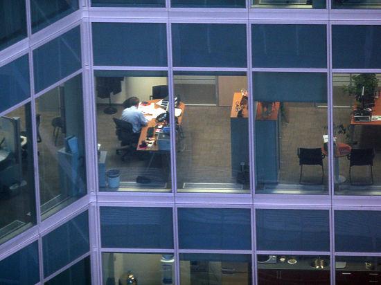 «Комплекс обезумевшего работника» стал настоящей заразой для жителей мегаполиса