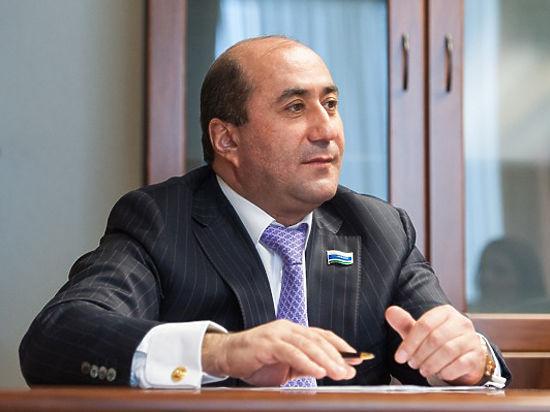 Дорожный «король». Семья депутата Армена Карапетяна заработает на свердловских трассах