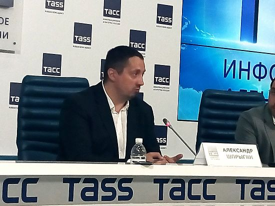 Глава ВОБ Шпрыгин зовет фанатов в Россию хорошо провести время