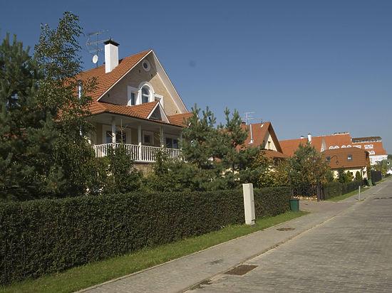 Чиновников берут под колпак: купил дом — жди слежки