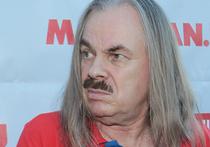 Самым эмоциональным футбольным болельщиком в России оказался Владимир Пресняков-старший