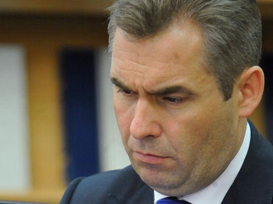 Павла Астахова лишили награды из-за  «негативного фона» и недостачи документов