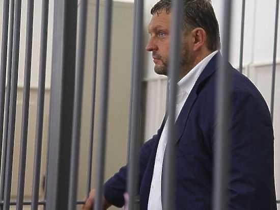 Губернатор Кировской области прокомментировал свое дело, вновь умолчав о его обстоятельствах