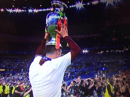 Сборная Португалии стала чемпионом Европы-2016 по футболу