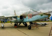 Военная прокуратура Западного региона Украины расследует причины падения военного самолета Су-25, произошедшего в четверг днем в Хмельницкой области