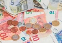 Курс евро продолжает устанавливать рекорды падения