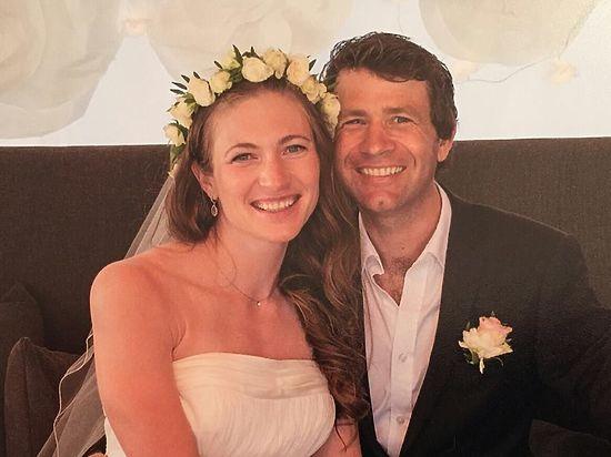 Звездная пара опубликовала свою свадебную фотографию