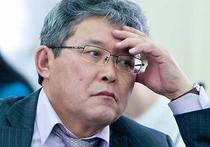 Соответствующее обращение Вячеслав Наговицын пообещал отправить в районный совет депутатов, которому и надлежит решить участь главы местного самоуправления