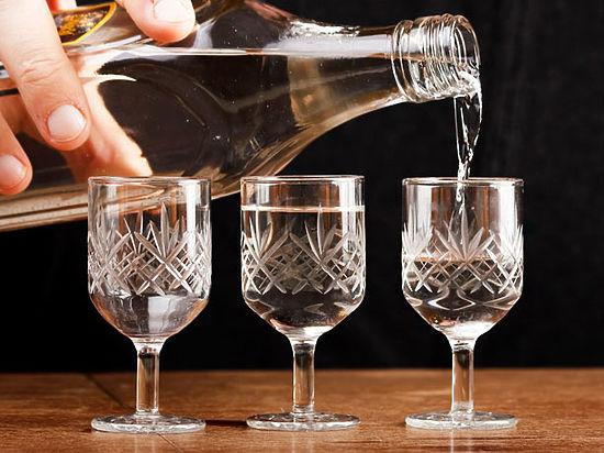 Опасным считают употребление спиртного даже в малых дозах