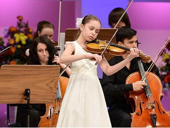 На культурный Олимп взошла очередная юная красноярска – скрипачка Даша Манза