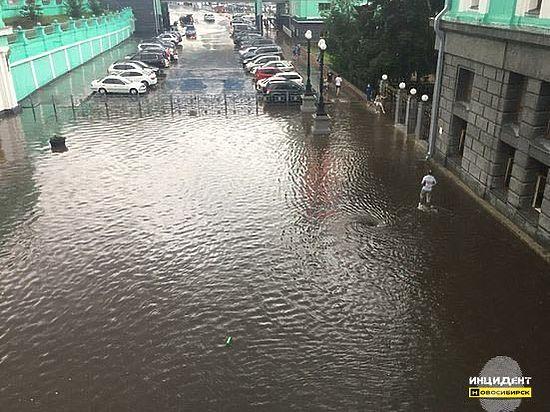 Потоп на железнодорожном вокзале
