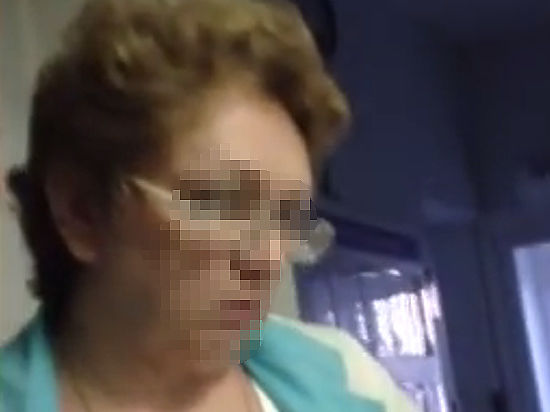 Врач отказалась осматривать больного с переломом из-за позднего визита