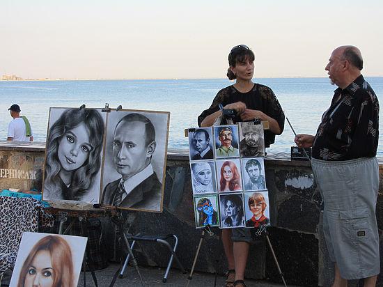 Новый виток популярности Путина в Крыму: воспевают, лепят, рисуют...