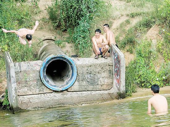 Названо самое опасное для купания место Москвы