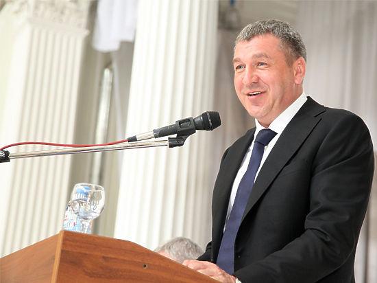 21 июля петербургское СМИ Фонтанка.ру сообщила о том, что «Июльские конкурсы в комитете по строительству начались с демпинга».