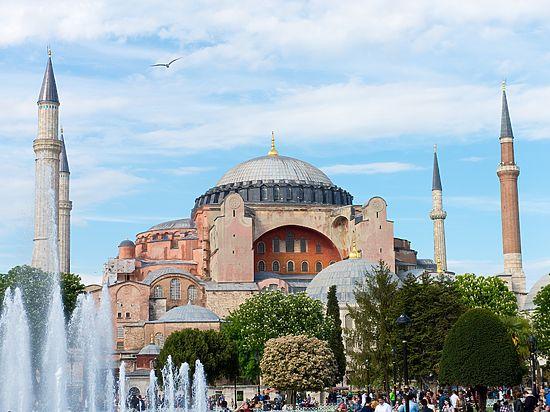 Православная общественность просит Владимира Путина поднять на предстоящих переговорах с Эрдоганом тему «уничтожения византийского наследия»