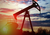 Нефть стремительно падает — по сравнению с ценами начала июня она уже подешевела почти на 20%