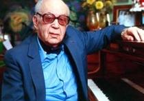 Никита Богословский, замечательный композитор, а также писатель-юморист, в прошлом веке постоянный автор 16-й полосы «ЛГ», писал юморески и о шахматах
