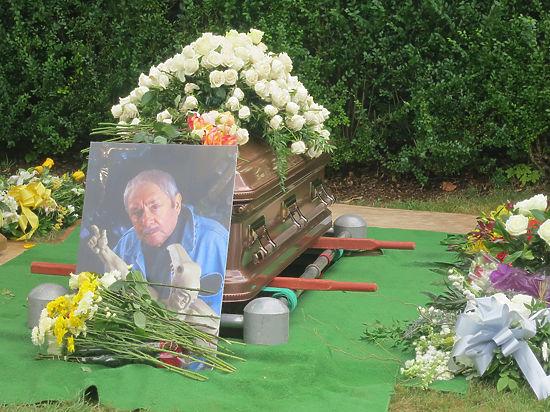 Скульптора похоронили на острове Шелтер-Айленд