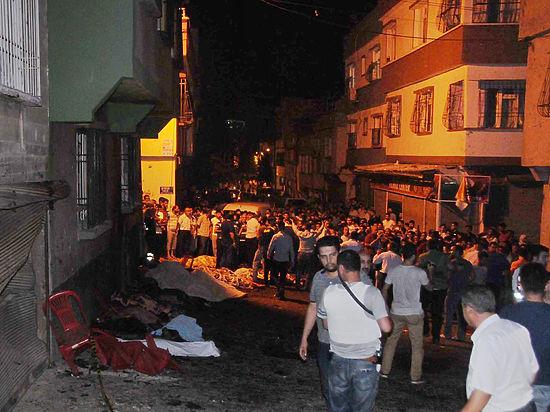 В Турции десятки человек погибли при теракте на свадьбе